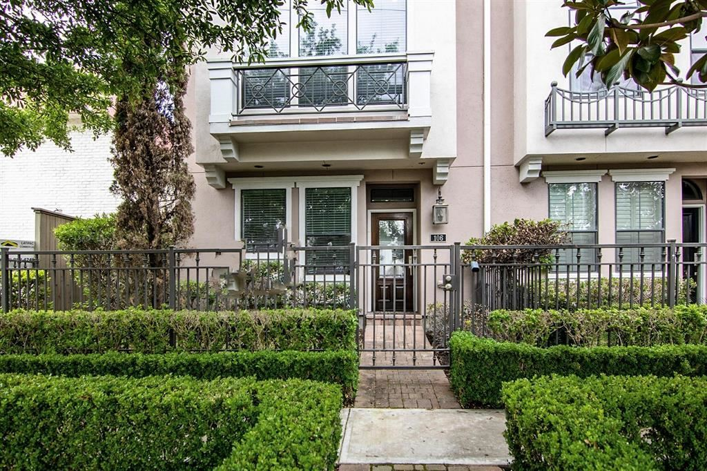 Photo for 3302 Audley Street #106, Houston, TX 77098 (MLS # 76226768)