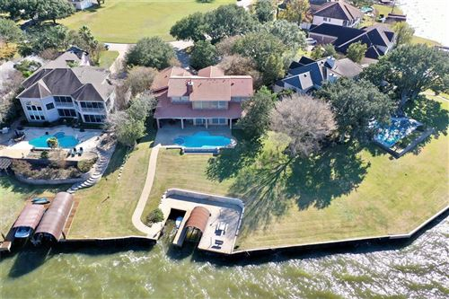 Photo of 67 Lake Estates Drive, Montgomery, TX 77356 (MLS # 82450770)