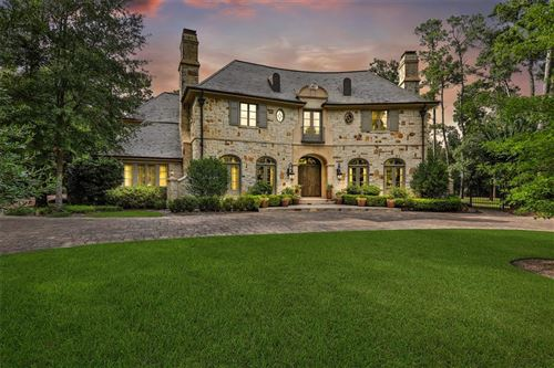 Photo of 31 Netherfield Way, The Woodlands, TX 77382 (MLS # 98502773)