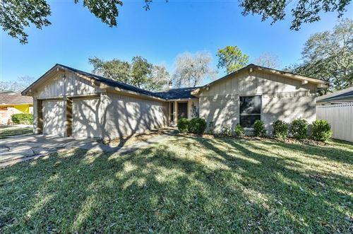 Photo of 13923 Ludgate Pass, Houston, TX 77034 (MLS # 38043782)