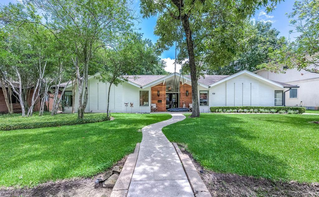 Photo for 438 E Gaywood Drive, Houston, TX 77079 (MLS # 74969783)