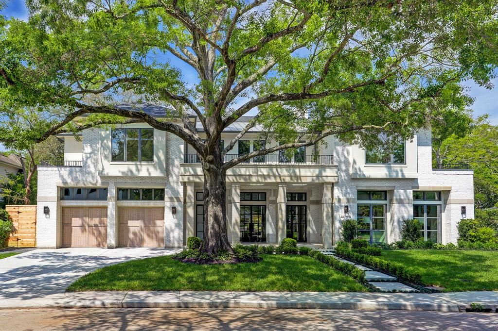 Photo for 4018 Overbrook Lane, Houston, TX 77027 (MLS # 90842783)
