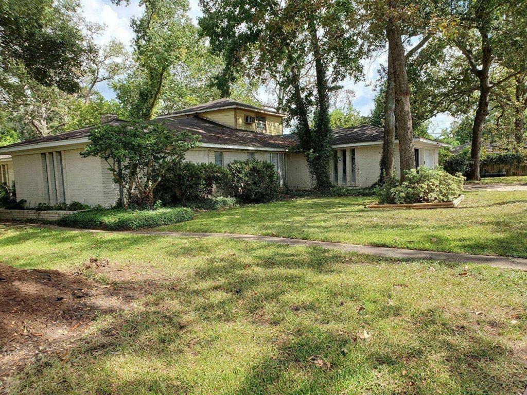 Photo for 8426 Homewood Lane, Houston, TX 77028 (MLS # 13881788)