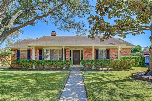 Photo of 7607 Lacy Hill Drive, Houston, TX 77036 (MLS # 75483790)