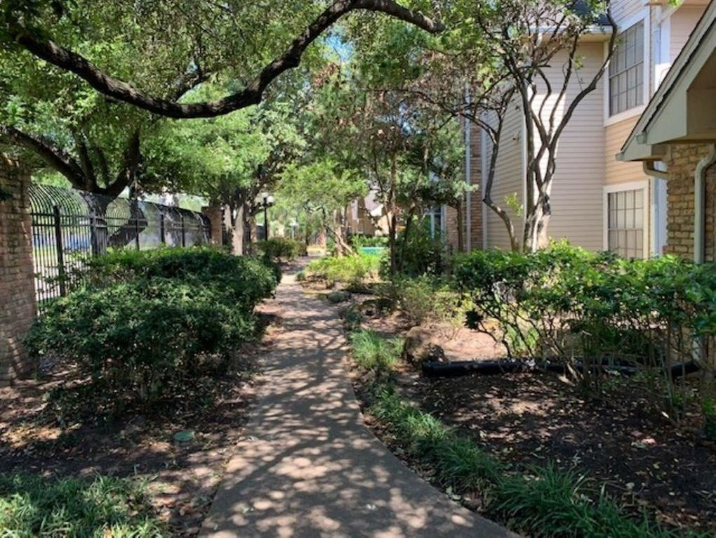 Photo for 2300 Old Spanish Trail #1117, Houston, TX 77054 (MLS # 49494790)