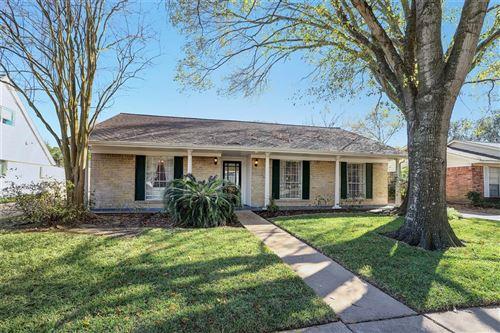 Photo of 12351 Westella Drive, Houston, TX 77077 (MLS # 34224791)