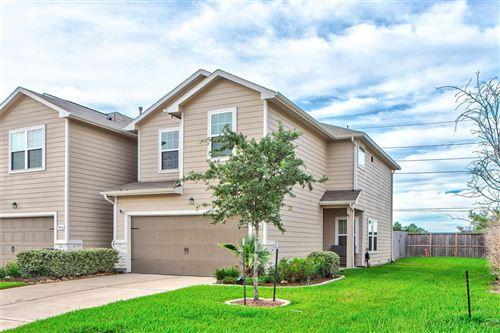 Photo of 5102 Gable Lane, Houston, TX 77066 (MLS # 49294791)