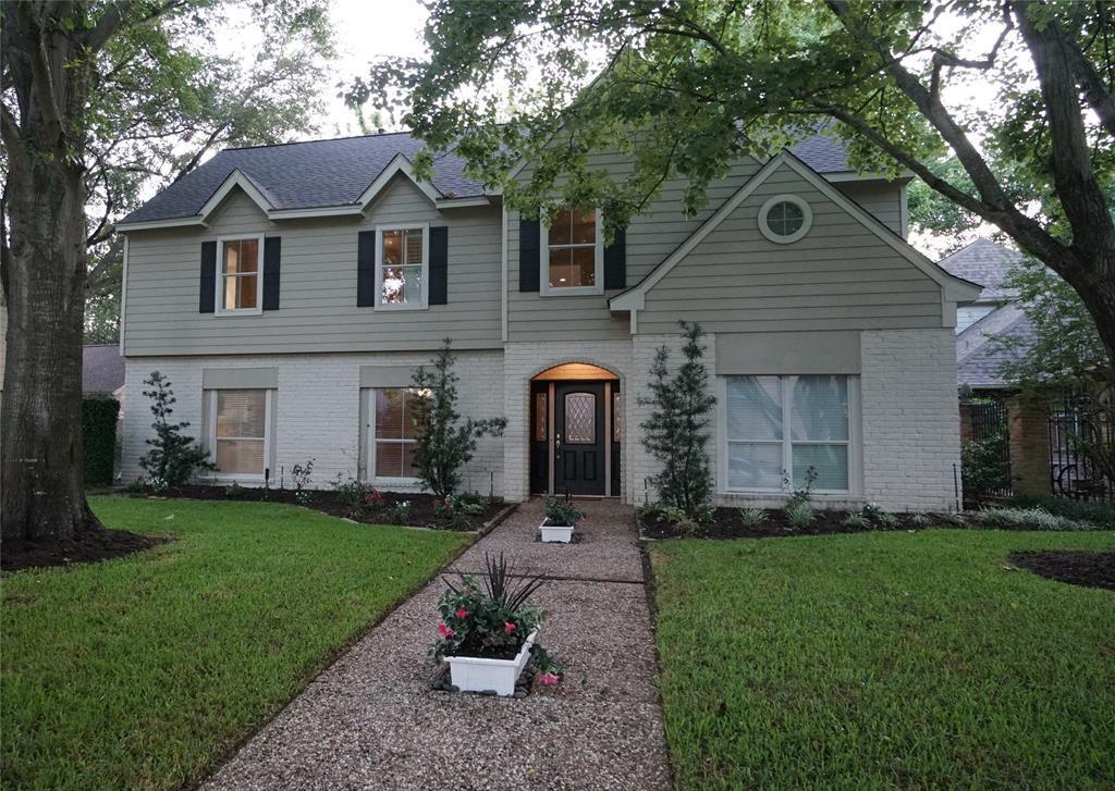 Photo for 834 Daria Drive, Houston, TX 77079 (MLS # 34876796)