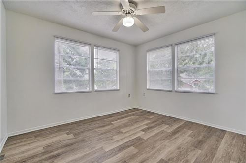 Tiny photo for 903 Commanche Road, Conroe, TX 77316 (MLS # 60071799)