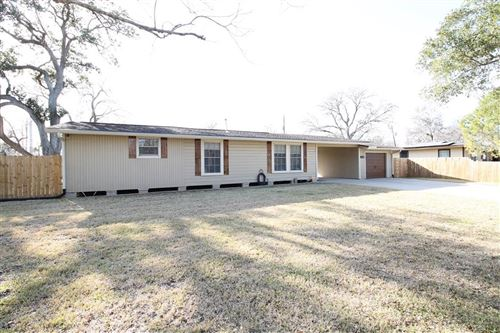 Photo of 228 Azalea Street, Lake Jackson, TX 77566 (MLS # 10301808)