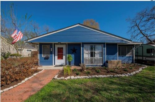 Photo of 208 W 31st Street, Houston, TX 77018 (MLS # 69627808)