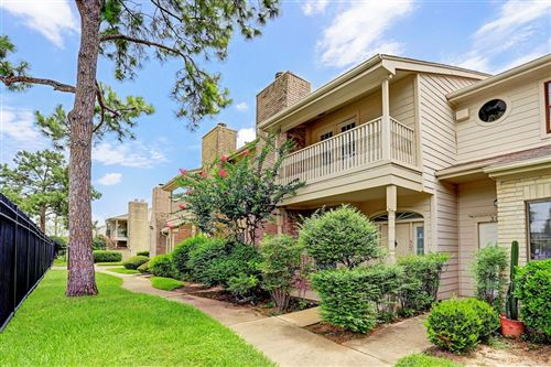 Photo of 800 Country Place Drive #303, Houston, TX 77079 (MLS # 22706815)