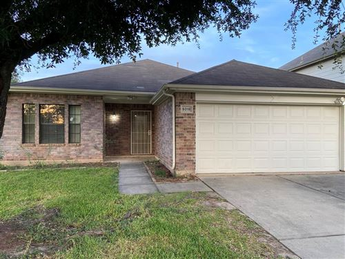 Photo of 9318 Torridon Court, Houston, TX 77095 (MLS # 95945817)