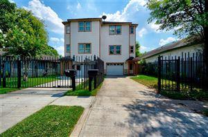 Photo of 740 W 27th Street, Houston, TX 77008 (MLS # 73519820)