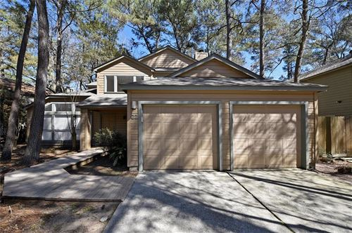 Photo of 22 Shallow Pond Place, The Woodlands, TX 77381 (MLS # 33169823)