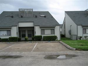 Photo of 96 April Point Drive, Montgomery, TX 77356 (MLS # 8057823)