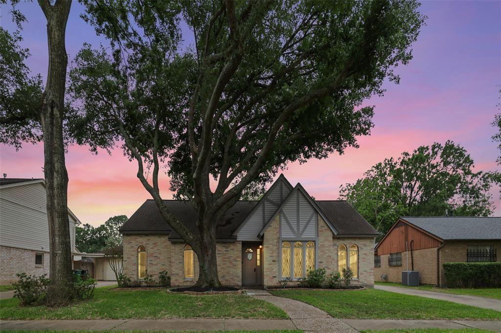15402 Seahorse Drive, Houston, TX 77062 - #: 73892825