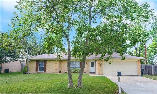 Photo of 1965 Sherwood Forest Street, Houston, TX 77043 (MLS # 90793829)