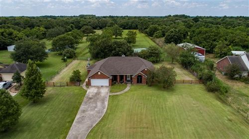 Photo of 14123 County Road 185, Alvin, TX 77511 (MLS # 14598835)