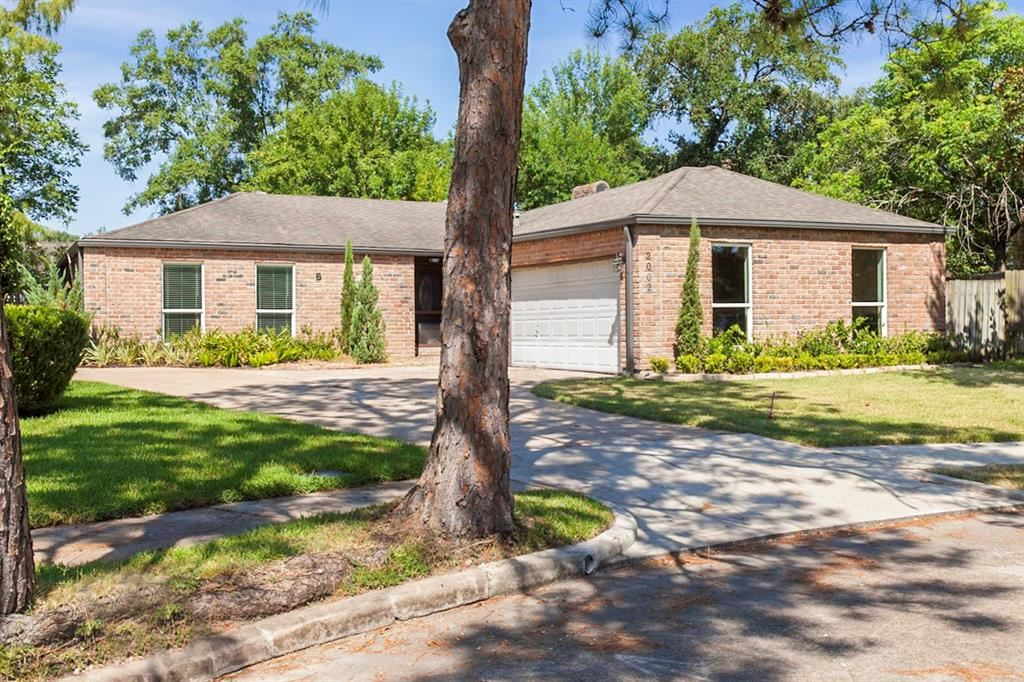 2002 Round Lake Drive, Houston, TX 77077 - MLS#: 67902847