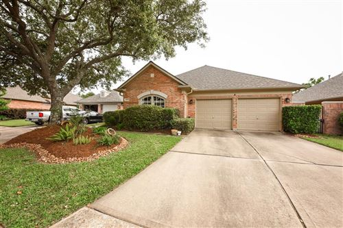 Photo of 14006 Timber Briar Court, Houston, TX 77059 (MLS # 32240853)