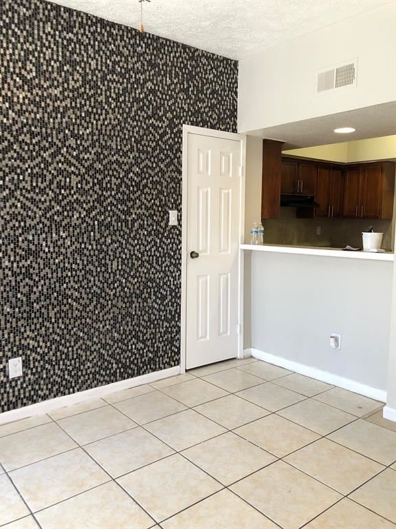 8654 Victorian Village Drive #8654, Houston, TX 77071 - #: 33548855