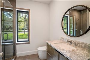 Tiny photo for 12 Autumn Crescent, The Woodlands, TX 77381 (MLS # 84138857)
