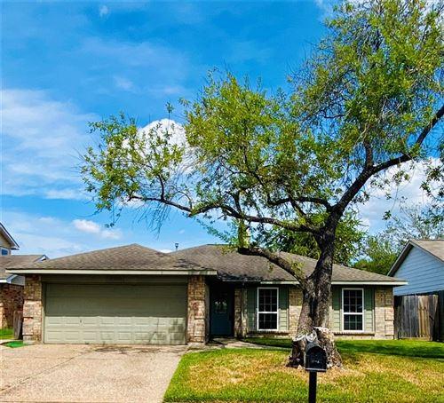Photo of 18506 Spinney Lane Drive, Cypress, TX 77433 (MLS # 48698859)