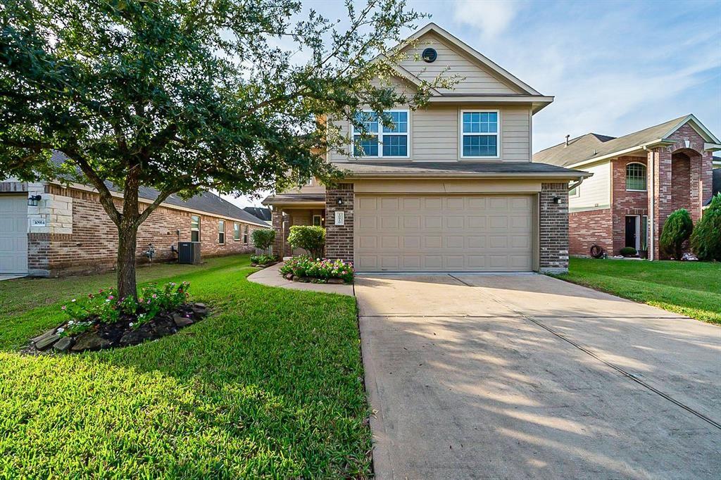 Photo for 10910 Brittan Leaf Lane, Houston, TX 77034 (MLS # 52135862)