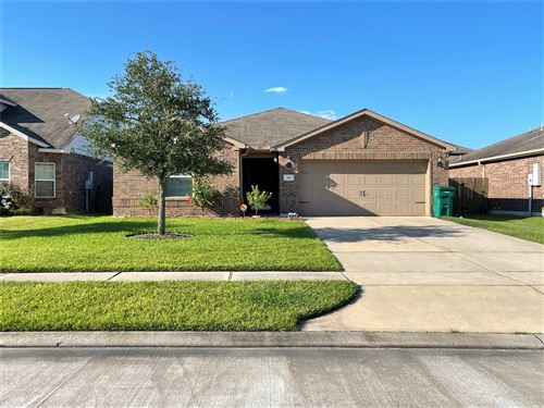 Photo of 330 Shoshone Ridge Drive, La Marque, TX 77568 (MLS # 10220863)