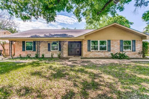 Photo of 5935 Reamer Street, Houston, TX 77074 (MLS # 18774866)