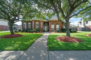 Photo of 1206 Hawkhill Drive, Friendswood, TX 77546 (MLS # 20105868)