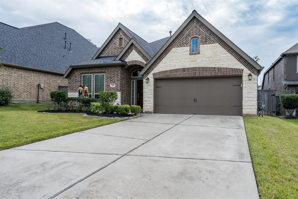 Photo for 139 N Greatwood Glen Place, Montgomery, TX 77316 (MLS # 72500872)