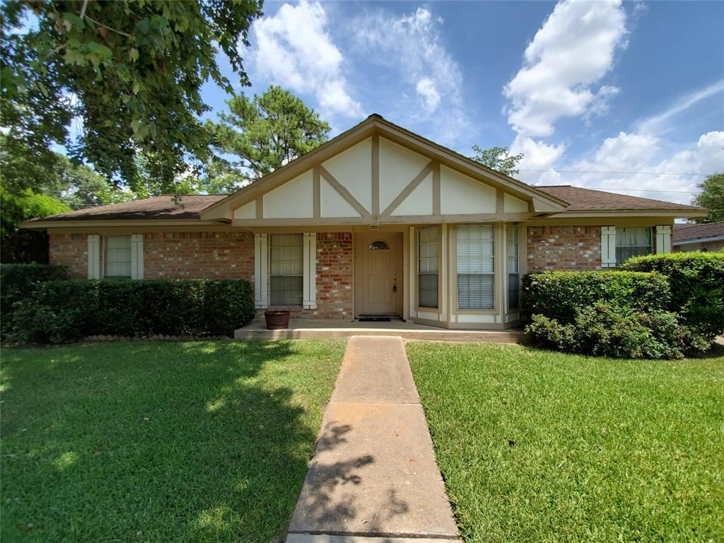 Photo for 11602 Fallwood Drive, Houston, TX 77065 (MLS # 36572873)