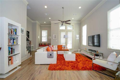 Photo of 10937 Wrenwood Manor, Houston, TX 77043 (MLS # 59464878)