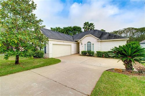 Photo of 135 April Point Place, Montgomery, TX 77356 (MLS # 35006881)