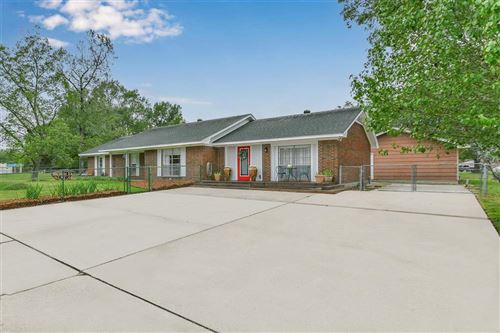 Photo of 205 Pine Crest Drive, Conroe, TX 77301 (MLS # 58143885)