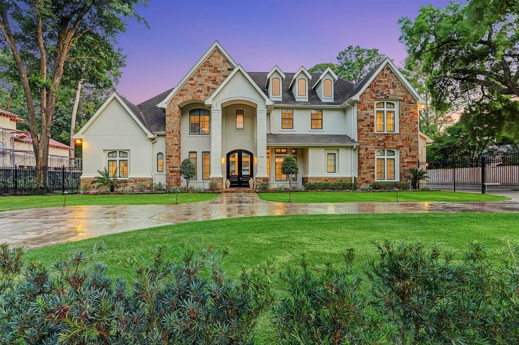 Photo for 9021 Wickford Drive, Houston, TX 77024 (MLS # 2866886)