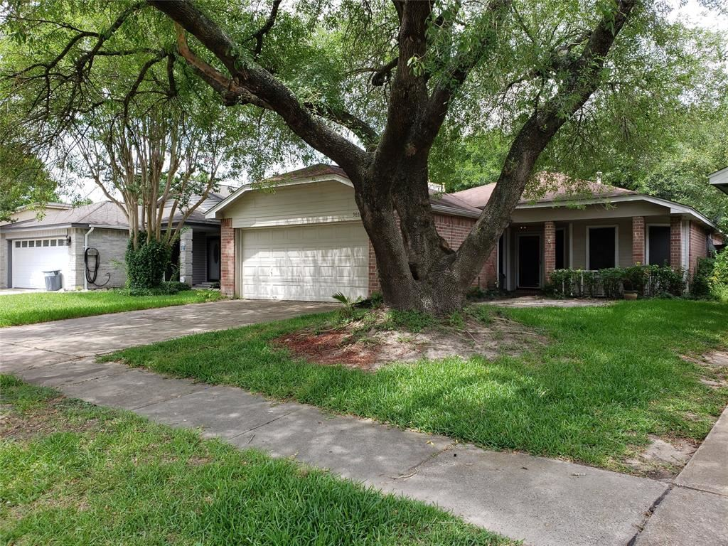 Photo for 9651 Yearling Circle, Houston, TX 77065 (MLS # 39128889)