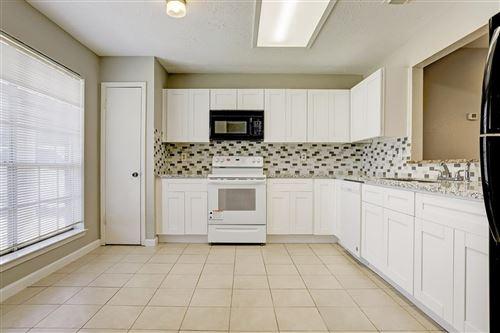 Photo of 17222 Quail Glen Drive, Houston, TX 77489 (MLS # 11950890)
