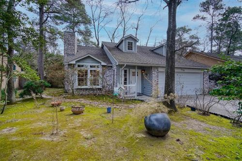 Photo of 230 S Pathfinders Circle, The Woodlands, TX 77381 (MLS # 72911893)