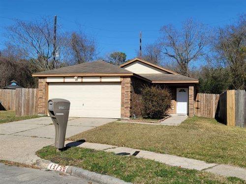 Photo of 13758 Lynx Drive, Houston, TX 77014 (MLS # 84597898)