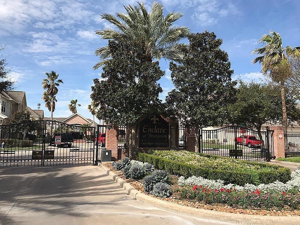 Photo for 14203 Mossy Gate Lane, Houston, TX 77082 (MLS # 19576901)
