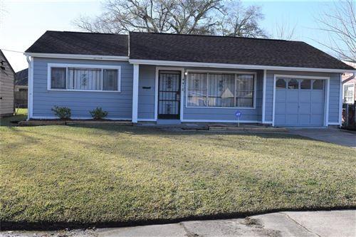 Photo of 4418 Botany Lane, Houston, TX 77047 (MLS # 21160904)