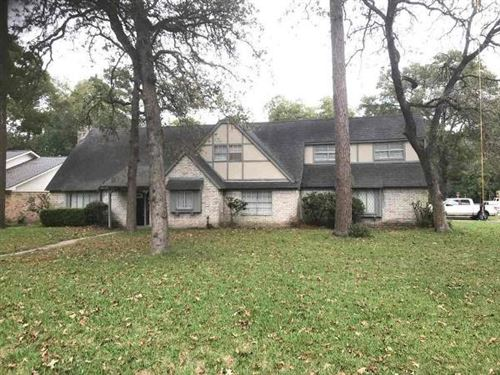 Photo of 463 Dover Lane, Spring, TX 77373 (MLS # 81390905)
