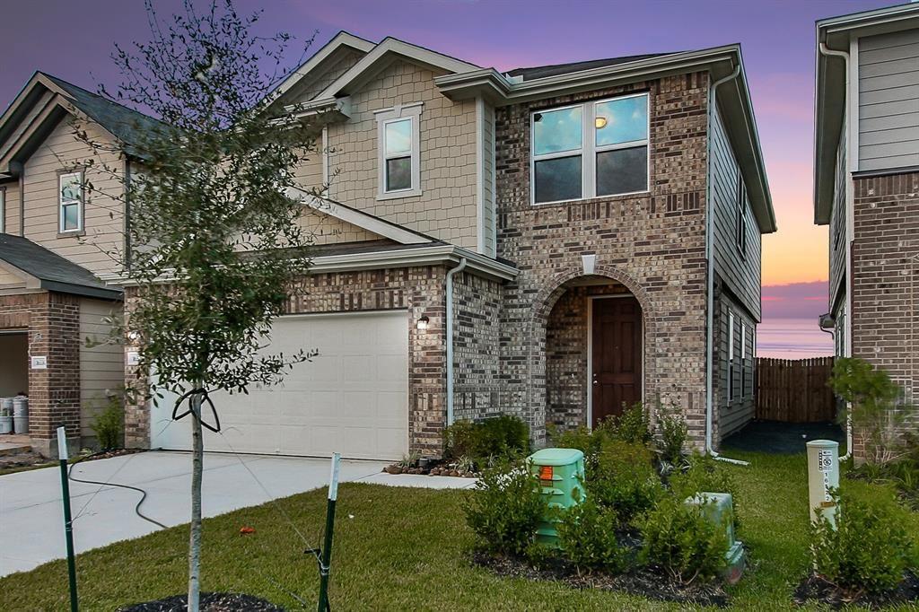 Photo for 16526 Live Oak Canyon Drive, Houston, TX 77084 (MLS # 51335906)