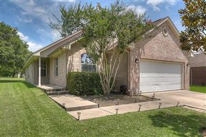 Photo of 132 Golfview Drive, Conroe, TX 77356 (MLS # 83667907)