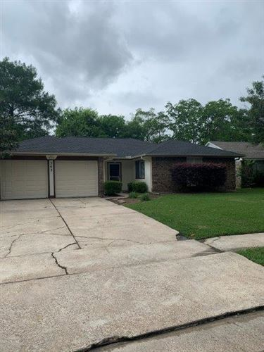 Photo of 303 Meadow Wood Court, League City, TX 77573 (MLS # 83861907)