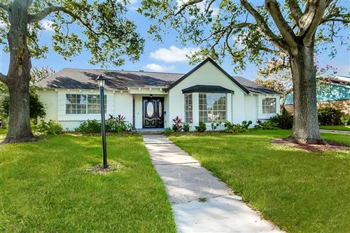 Photo of 1810 San Sebastian Lane, Nassau Bay, TX 77058 (MLS # 22837917)