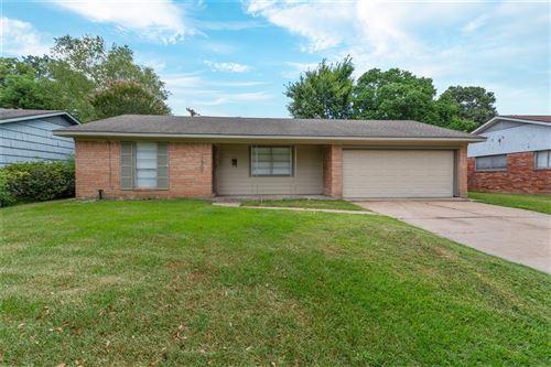 Photo of 1807 Willowmoss Court, Houston, TX 77008 (MLS # 25786921)